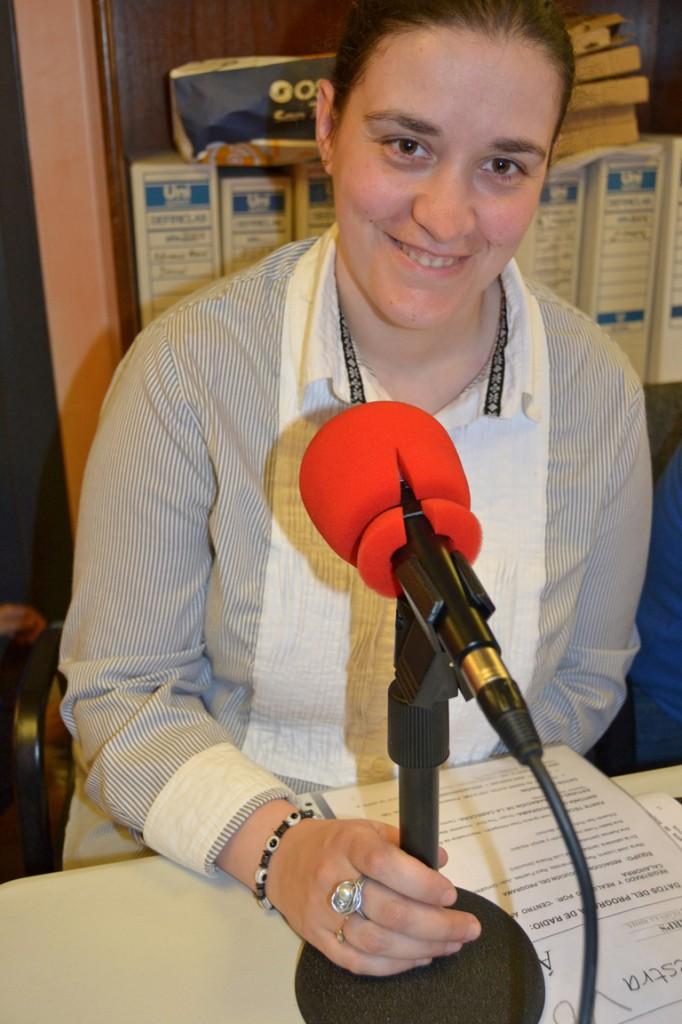 Foto de la locutora Raquél Fernández
