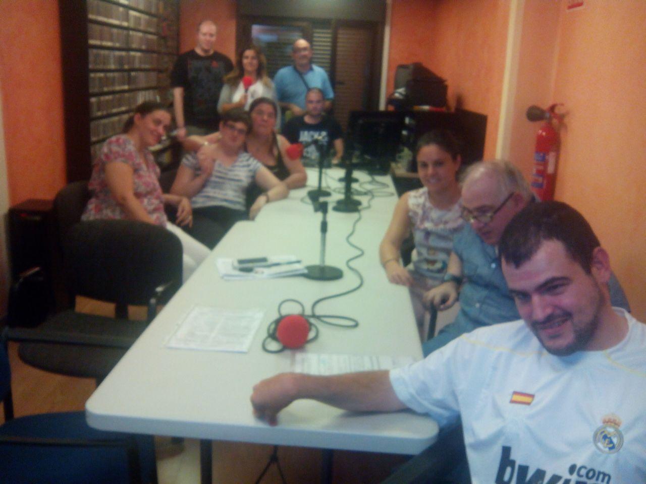 Foto de grupo programa de radio