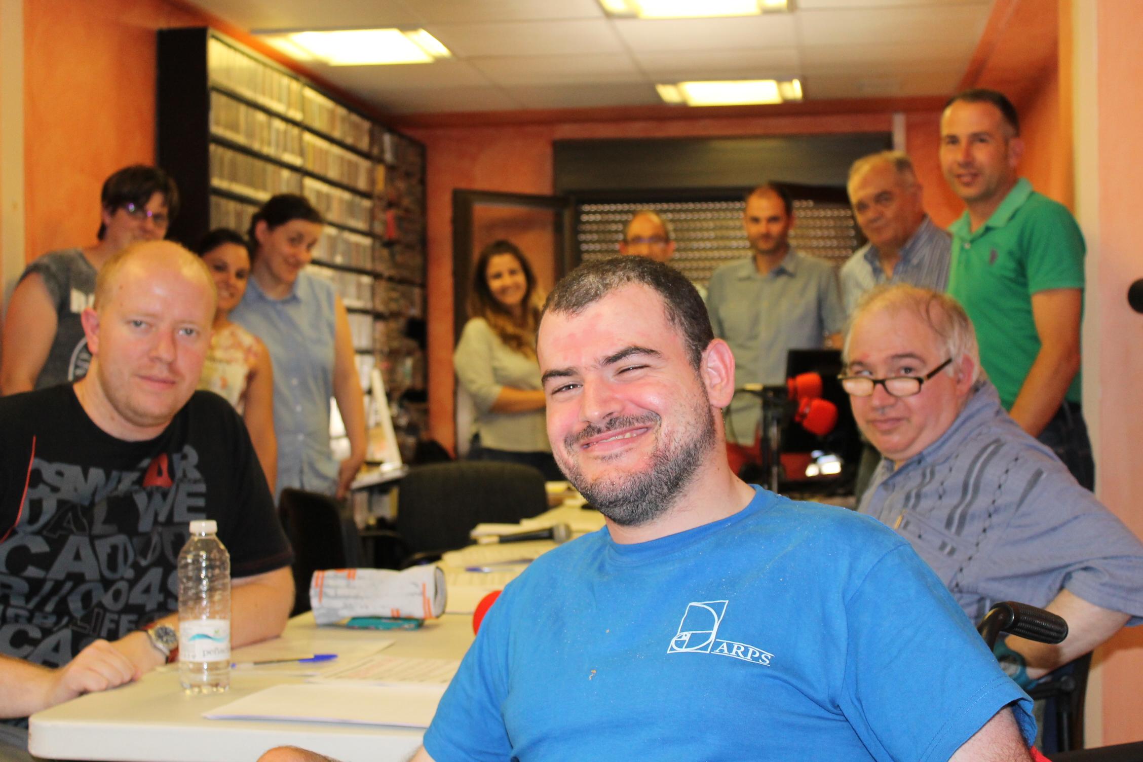 Foto del equipo programa de radio Nuestra Voz e invitados