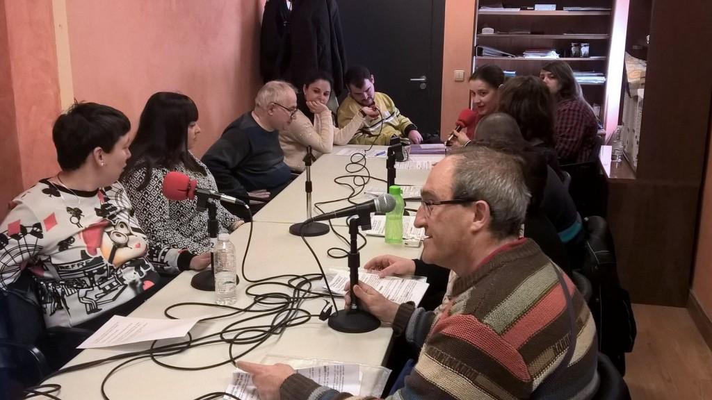 El equipo de 'NUESTRA VOZ' posa con José Ignacio Díaz Aldagalán, responsable de Radio Autol